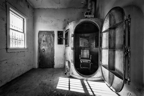 execution chambre a gaz firing squad and gas chambers are coming back gephardt daily