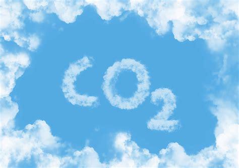Kā klimata pārmaiņas var atdzesēt ekonomiku?