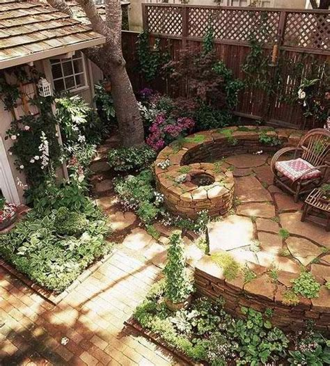 Great Backyard Patios by Great Idea For A Grassless Yard Outdoor Ideas