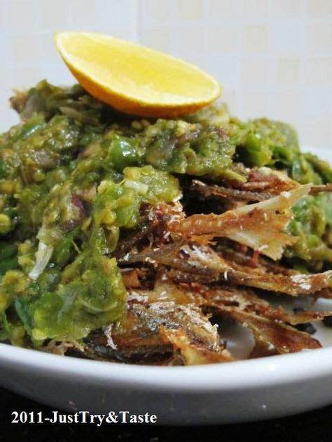 Nasi goreng menjadi salah satu menu masakan andalan berasal dari indonesia. Resep Selar Goreng Garing Siram Sambal Cabai Hijau ...