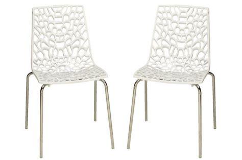 chaises transparentes pas cher lot de 2 chaises blanches traviola design sur sofactory