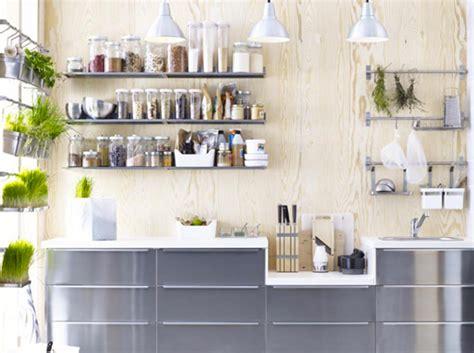 deco de cuisine 3 astuces pour aménager une cuisine maisons jardins