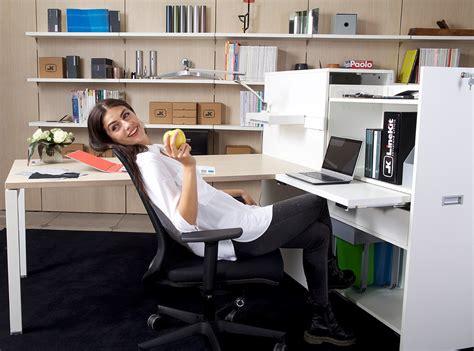 poltrone ergonomiche ufficio poltrona ufficio ergonomica cosa non deve mai mancare