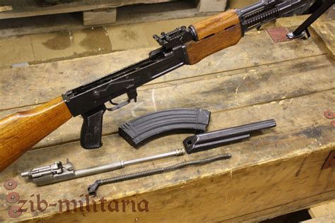 Designed from lessons taken from the modern battlefield, the imod stock provides a highly practical and functional design. RPK Yugo M72 / M72B1, Deko MG - www.zib-militaria.de
