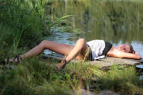 Sandra Orlow Nude Waterfall Bobs And Vagene