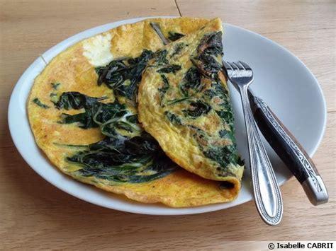 cuisiner blettes feuilles omelette aux feuilles de blette et curcuma recette de