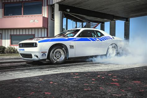 2015 Dodge Challenger Drag Pak Revealed, Now Available