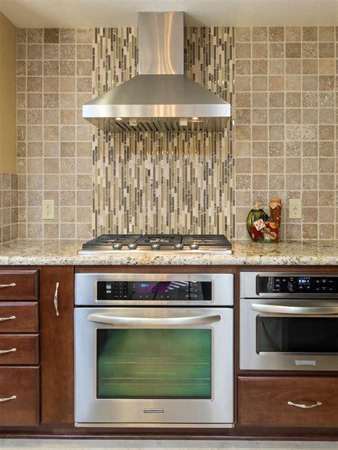 Custom Sink Backsplash Ideas For Your New Kitchen #17397