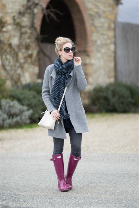 { Weekend in Tuscany Sweater coat Navy scarf u0026 Hunter boots } - Meaganu0026#39;s Moda