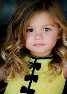 Photo De Bébé Fille : coiffure pour petite fille diaporama beaut doctissimo ~ Melissatoandfro.com Idées de Décoration