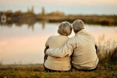 Glückwünsche zur rubinhochzeit sind kleine liebesbotschaften, die dem jubilarenpaar auch für die zukunft von herzen die besten wünsche überbringen. Rubinhochzeit: Alles zum 40. Hochzeitstag (+ passende Glückwünsche)