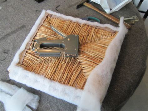 recouvrir une chaise en paille le de line relooker des chaises à vos pinceaux