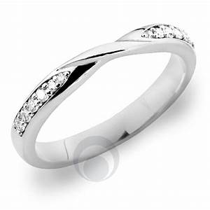 Diamond platinum wedding ring for solitaire engagement for Wedding ring companies