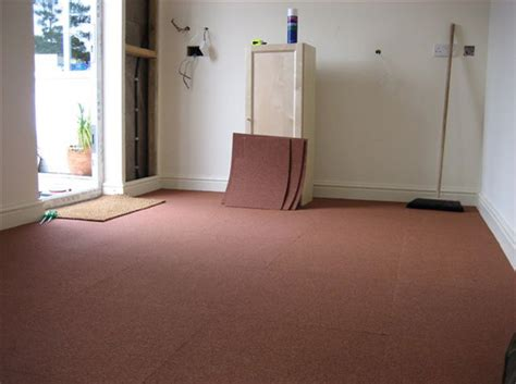 moquette chambre poser des dalles de moquette décoration