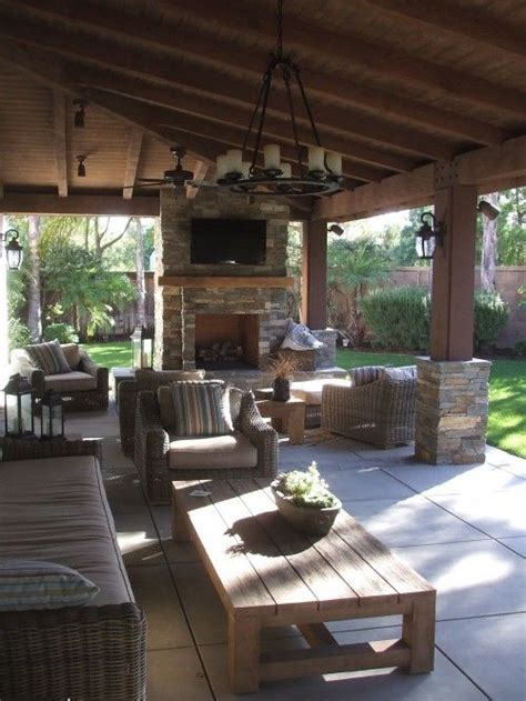id love      screened  porch home ideas outdoor living rooms outdoor rooms