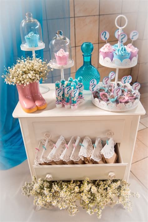 Parents know their baby's gender but the guests do not. Gender Reveals Foods : How to Host a Baby Gender Reveal Party + FREE Printables - An australian ...