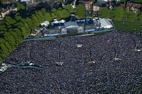 240 000 Leicester fans gather to celebrate Premier League ...