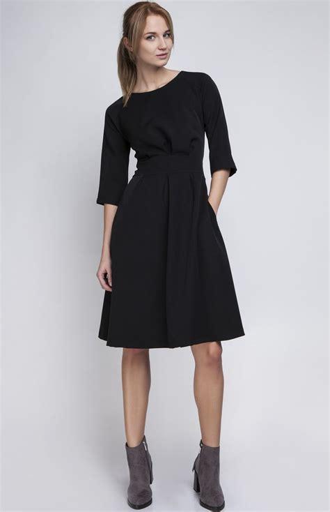 robes bureau charmante robe plissée parfaite pour le bureau le look