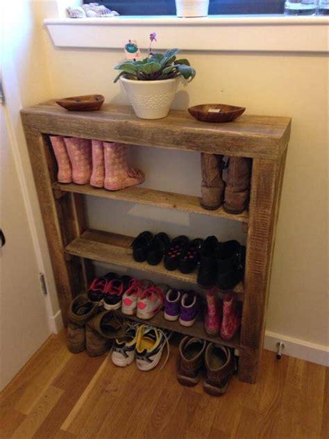 diy shoe rack diy reclaimed pallet wood shoe rack pallet furniture diy