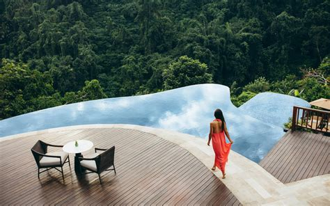 hanging gardens bali ubud luxury  star hotel resort spa