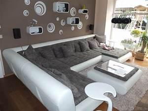 Sofa Mit Lautsprecher : anspruchsvolle raumaufteilung f r lautsprecher kaufberatung stereo hifi forum ~ Indierocktalk.com Haus und Dekorationen