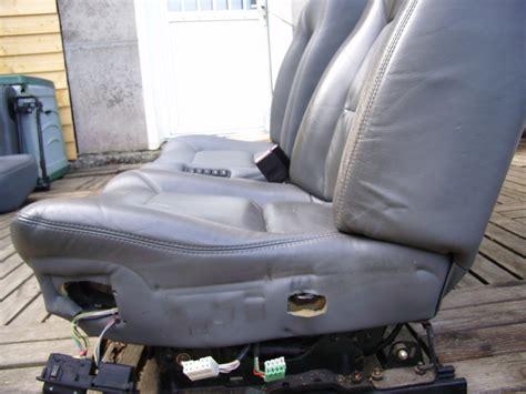 reparation siege cuir hors carrosserie restauration cuir safrane baccara