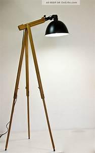 Retro Lampe Holz : stehlampe holz dreibein ~ Indierocktalk.com Haus und Dekorationen