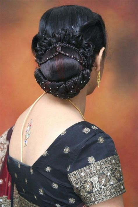 Hairstyles For Indian Wedding ? 20 Showy Bridal Hairstyles