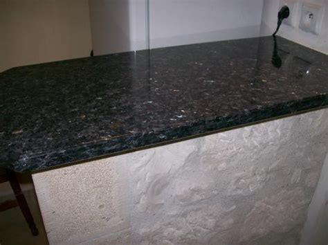 plaque granit cuisine plan cuisine granit adouci poli granitier dans le lot et garonne le 47 marbrier