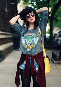 Flashes of Style Outfit // Weekend Grunge