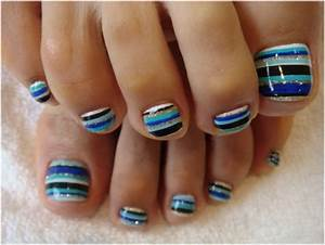 Nail art for toes stripes toe