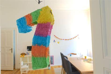 kindergeburtstag zuhause feiern ideen kindergeburtstag ideen motto deko mamaskind
