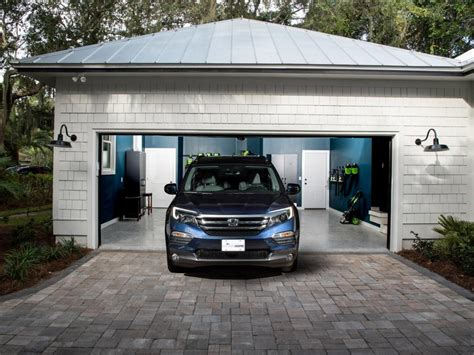 Car Garage Pictures by Hgtv Home 2017 Garage Pictures Hgtv Home