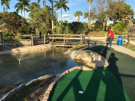 Boomers of boca raton features miniature golf, go karts, bumper boats, laser tag, rock wall, batting cages, arcades and mini bowling. Boomer's - Boca Raton, FL - A Couple of Putts