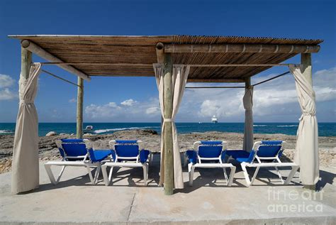 style starboard   beach cabanas