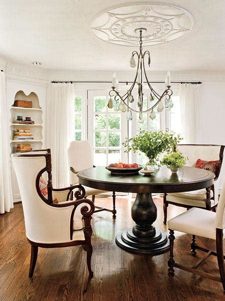 Pedestal Dining table   Cottage   dining room   Southern