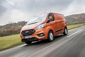Nouveau Ford Custom : ford lance son nouveau transit custom ~ Medecine-chirurgie-esthetiques.com Avis de Voitures