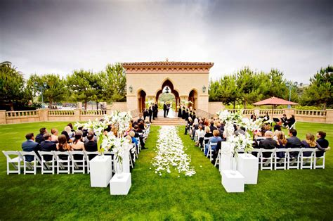 whats  average wedding venue cost everafterguide