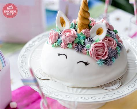 einhorn deko torte einhorn torte rezept 187 schnelle anleitung f 252 r einhorntorten styling