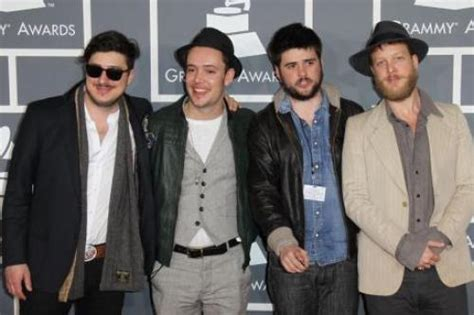 mumford sons first big hit jack johnson replaces mumford and sons at bonnaroo