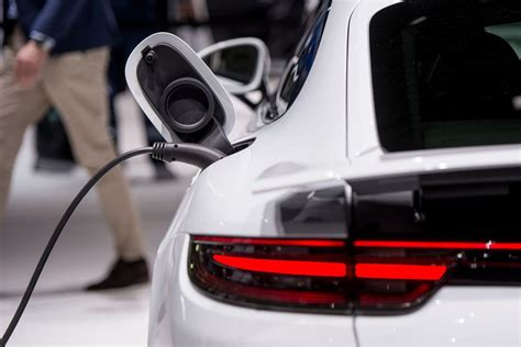 More Electric Cars by Uber Wants To Get More Electric Cars On The Road Curbed