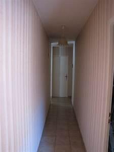 idee peinture couloir etroit maison design bahbecom With couleur de peinture pour couloir sombre 12 defi rendre chaleureux un long couloir