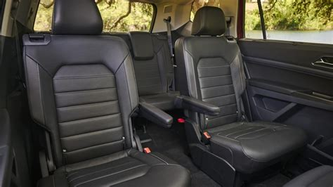 Suvs With Captains Chairs 2018 by Which 2018 Three Row Suvs Offer Captain S Chairs News