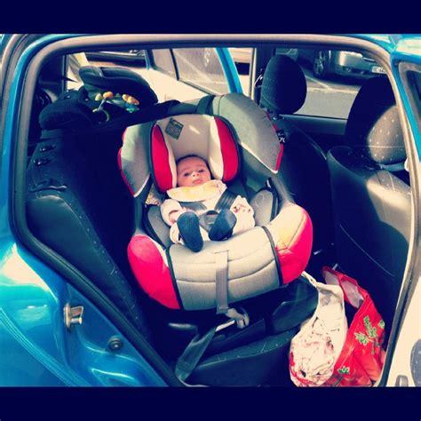siege auto bebe qui se tourne le casse tête du siège auto la reine de l 39 iode