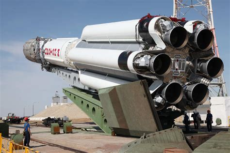 Russia Aims To Retire Proton In 2025 As Angara Takes Over