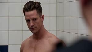 Jason Dohring as Chase Graves shirtless in iZombie 3×11 ...