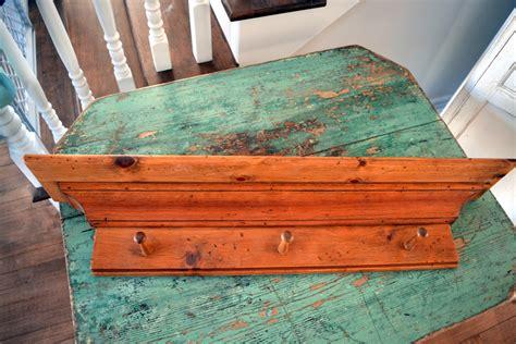 corniche meuble cuisine corniche en bois et portes clés manteaux