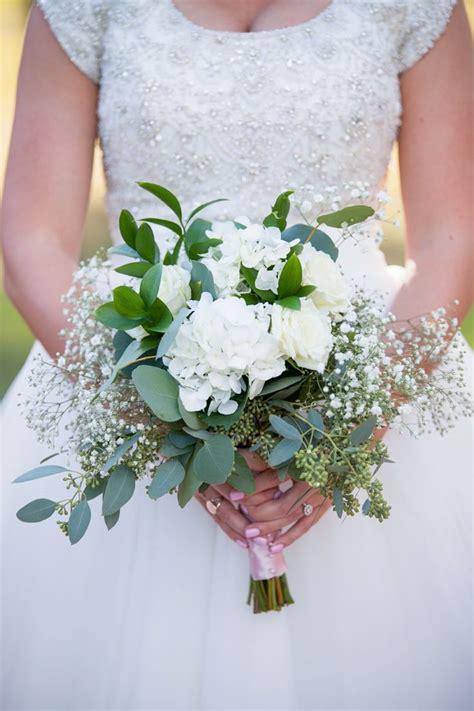 bouquets images  pinterest white bouquets