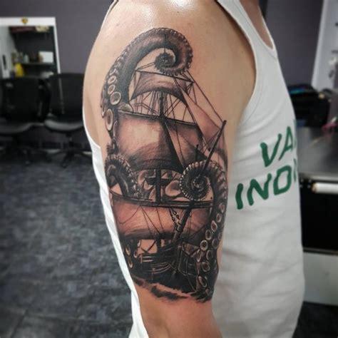 Barco Pirata Tattoo Significado by Tatuajes De Barcos Piratas Y Su Significado 30 Ideas