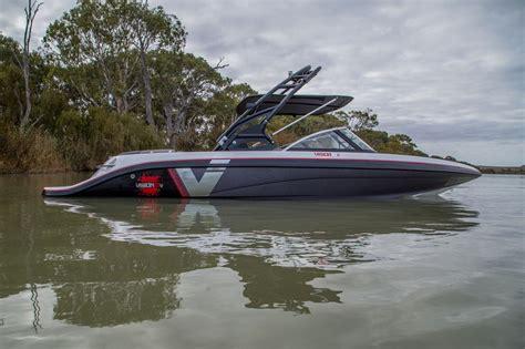 vision  bowrider camero ski boats